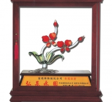 春風得意(熱膠琉璃/可開門式玻璃櫥窗)